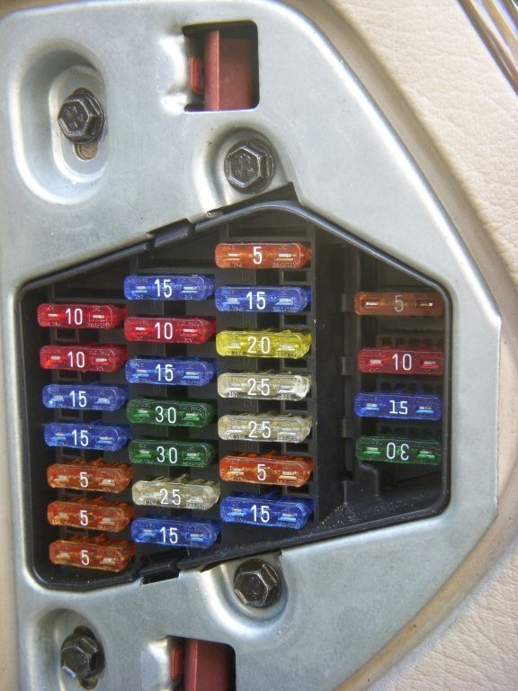 C4DriversEndOfDashFusePanelPhoto fuse box 97 audi a6 fuse wiring diagrams collection  at bakdesigns.co